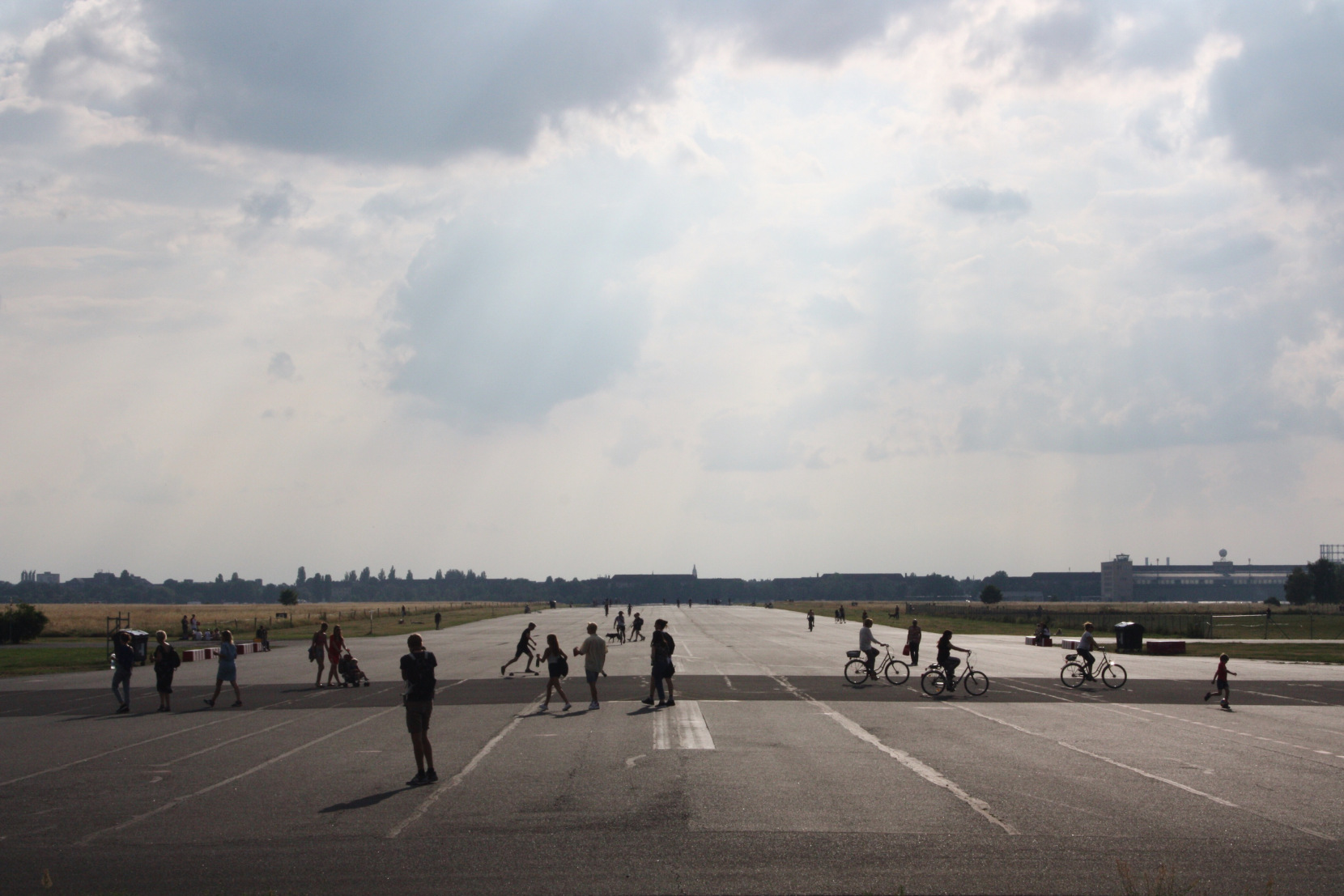 Berlin Tourist Attractions Tempelhofer Feld